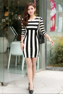 HIGH QUALITY Black and White Stripe Design Dress