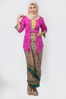 Zalita Tradisional Kebaya Printed Set with Ribbon Belt