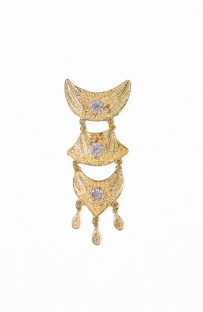 Arshlaa 3 Layer Dokoh Brooch Tradisional Style with Crystal Stone