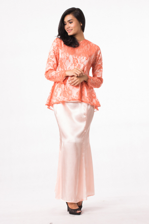2 Pieces Juwita Modern Lace Top With Mermaid Long Skirt