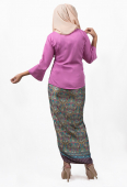 Izaraa Tradisional kebaya with Self Tied Printed Sarong